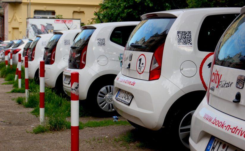 Umowa z wypożyczalnią samochodów – co powinna zawierać?